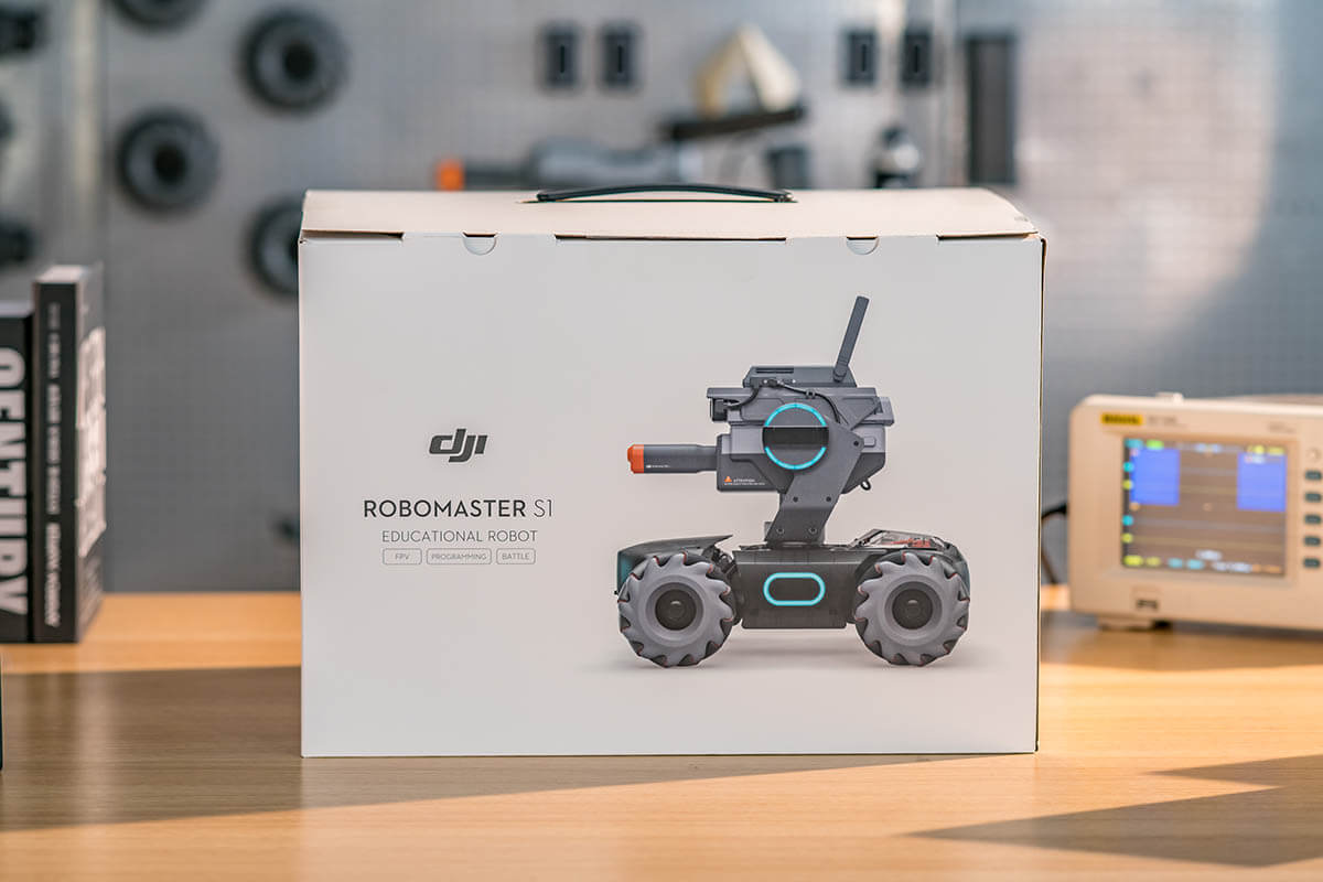 Robomaster S1 unboxing